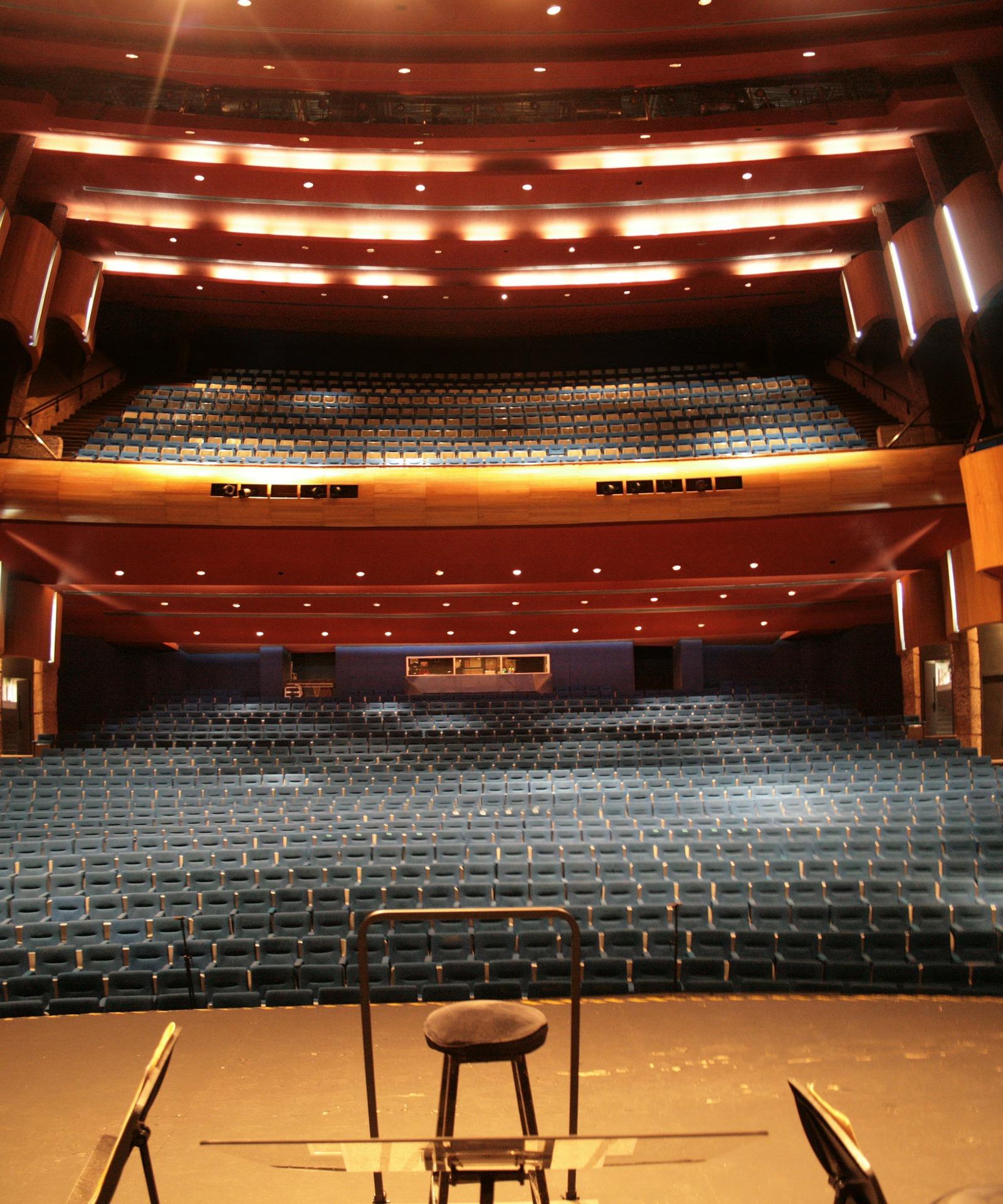 theatre-299693_1920